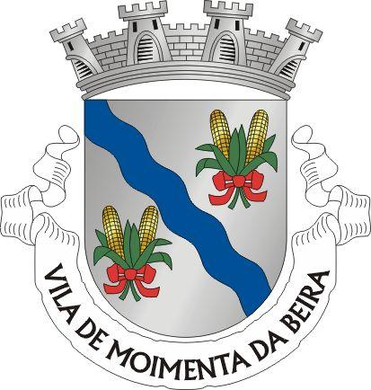 """Brasão de Moimenta da Beira - Heraldry of the World Civic heraldry of Portugal - Brasões dos municípios Portugueses - Official blazon  Escudo de prata com uma banda ondada de azul, acompanhadas por dois molhos de espigas de milho de ouro, folhadas de verde e atadas de vermelho. Coroa mural de quatro torres de prata. Listel branco, com a legenda : """" VILA DE MOIMENTA DA BEIRA """", a negro. Origin/meaning  The arms were officially granted on April 25, 1936."""