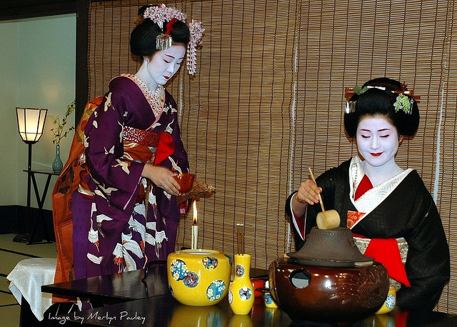 the japanese tea ceremony essay About the various popular types of tea in japan,  japanese tea and a brief history  it is from these gatherings that the tea ceremony has its origins.
