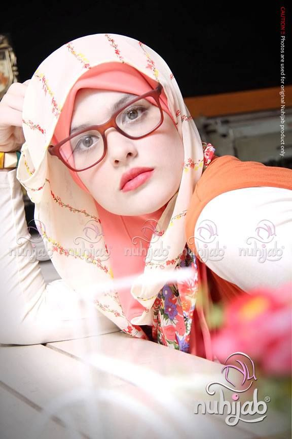 glasses and hijab are so cute