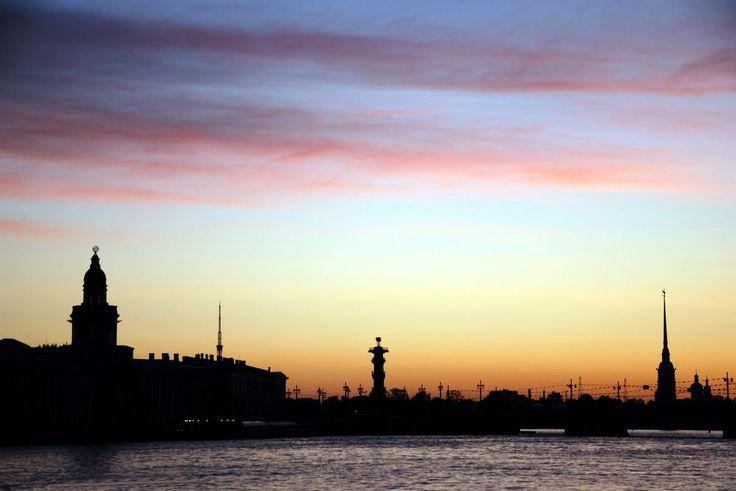 """Co literatura przekazuje o Petersburgu? Josif Brodski poeta oraz laureat nagrody Nobla pisał: """"Dwadzieścia kilometrów Newy w obrębie miasta"""