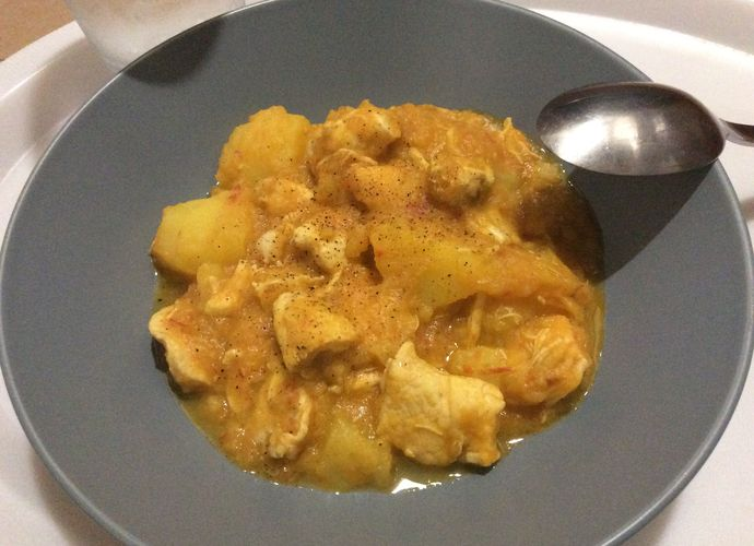 Estofado de patatas con pollo para #Mycook http://www.mycook.es/receta/estofado-de-patatas-con-pollo