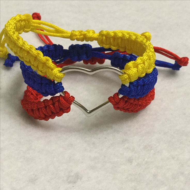 Inspired on my love for my country #Colombia #Handmade #Bracelet #Macrame