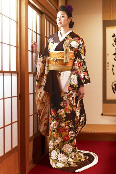花嫁の和装コレクション3ーおしゃれに着こなす引き振袖ー | ぐるなびウエディングHOWTO