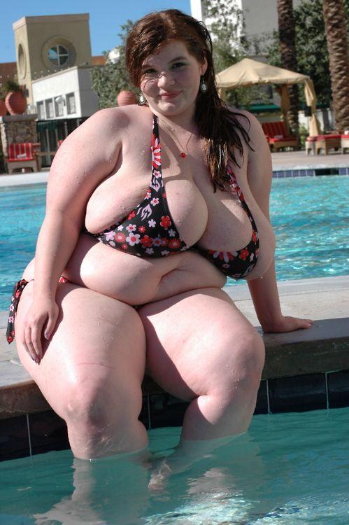 фото толстых пышных теток фото приэтом причмокиванием