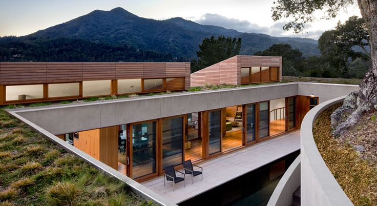 by architect Turnbull Griffin Haesloop: Turnbul Griffins, House Design, Hillside Resident, Haesloop Architects, Greenroof, Kentfield Hillside, Green Roof, Griffins Haesloop, San Francisco