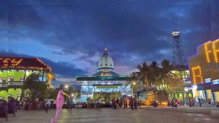 Indonesian Islami Boarding School, Darussalam Gontor.  Pondok Pesantren Ponorogo Jawa TImur