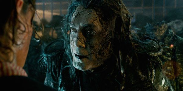 One Of The Pirates 5 Directors May Adapt A Michael Crichton Book