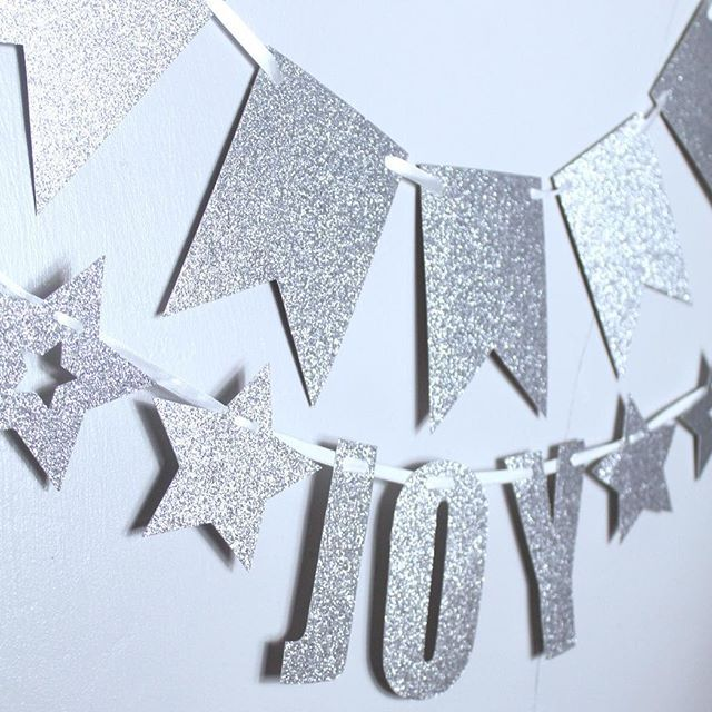 #Joy . The word I would use LAST to describe the Christmas market at the kids school. It. Was. Chaos. Straight after school so it was packed. . I'm looking forward to dinner and nice dvd with the kids then party prep for little miss tomorrow @lush . . . #christmaschaos #christmas #christmasdecorations #joy #glitter #partybanner #mpsandtsc #uniquepartygifts #smallbusiness #kidsinteriors #happybirthday #birthdayparty #eventdecor #kidsparty #childrensroom #playroomdecor #handcrafted…