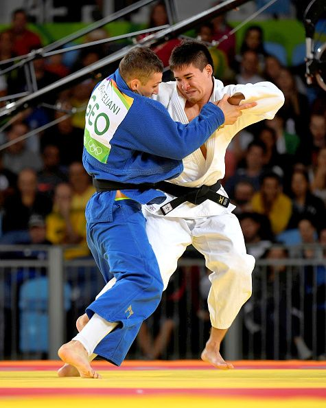 #RIO2016 Mashu Baker of Japan defeated Varlam Liparteliani of Georgia to win the gold medal in the 90kg judo on day 5 of the 2016 Rio Olympic Games on...