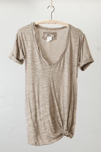 ...perfect tee...vtees are a staple in my wardrobe for sure...and I've been knotting the bigger ones,or when I want more skin to show(not often)too...§