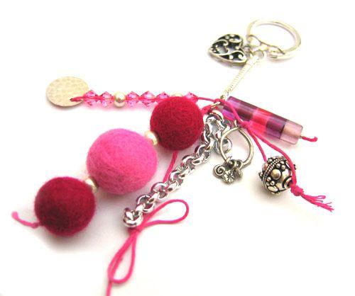 Porte-clés Pivoine, Perles laine feutrée et Toupies Swarovski