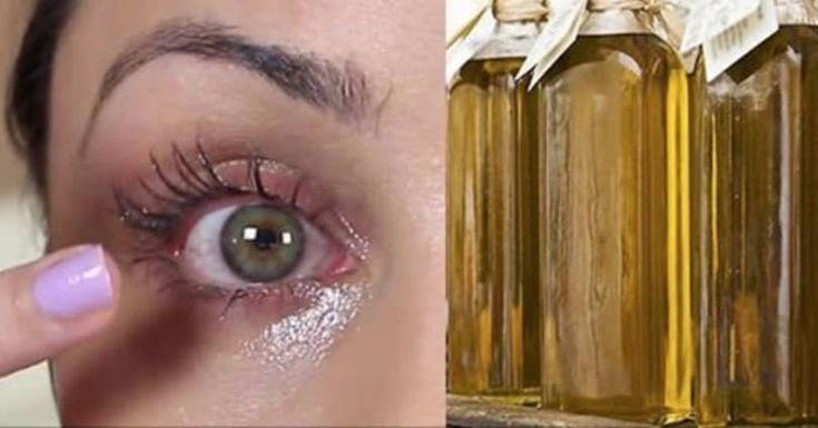 Ze smeert olijfolie rondom haar ogen. Ze heeft ons vertelt waarom en het…