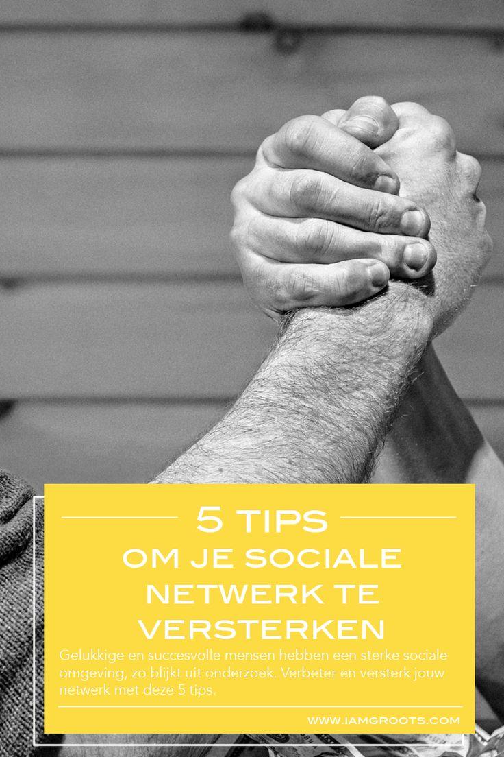 Uit onderzoek blijkt dat succesvolle mensen een sterk sociaal netwerk hebben. Wij geven je 5 tips om je sociale netwerk te versterken om ook meer geluk te ervaren en succesvoller te zijn. Klik verder als je meer wilt lezen of pin voor later!