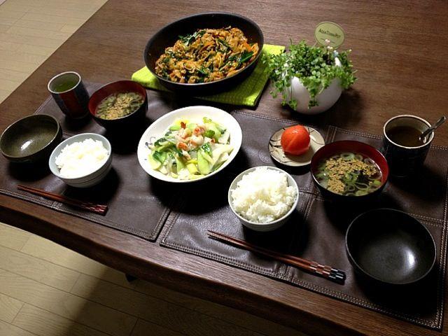 ワカメスープ、初めて作ったけど、美味しく出来たよ! (^ー^)ノ - 36件のもぐもぐ - 豚肉とキャベツのプルコギ風、海老と長芋と青梗菜の塩炒め、冷やしトマト、ワカメスープ、ご飯、菊芋茶 by pentarou