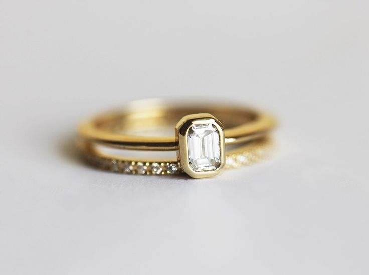 Emerald Diamond Engagement Ring with a Pave Diamond Eternity Ring, Wedding Set, 18k Solid Gold Diamond Ring Set door MinimalVS op Etsy https://www.etsy.com/nl/listing/236716271/emerald-diamond-engagement-ring-with-a