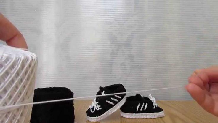 Scarpette bimbi realizzate a uncinetto con filati in cotone, in stile Adidas! Fantastiche, belle e sportive! Idea regalo. Per informazioni https://www.youtube.com/watch?v=1G3amiuOnzQ&list=UURr2L9t0hDRxIzmM8RR5n7w Children shoes made crocheted with cotton thread, style Adidas! Fantastic, beautiful and sports! Gift idea. For information https://www.youtube.com/watch?v=1G3amiuOnzQ&list=UURr2L9t0hDRxIzmM8RR5n7w