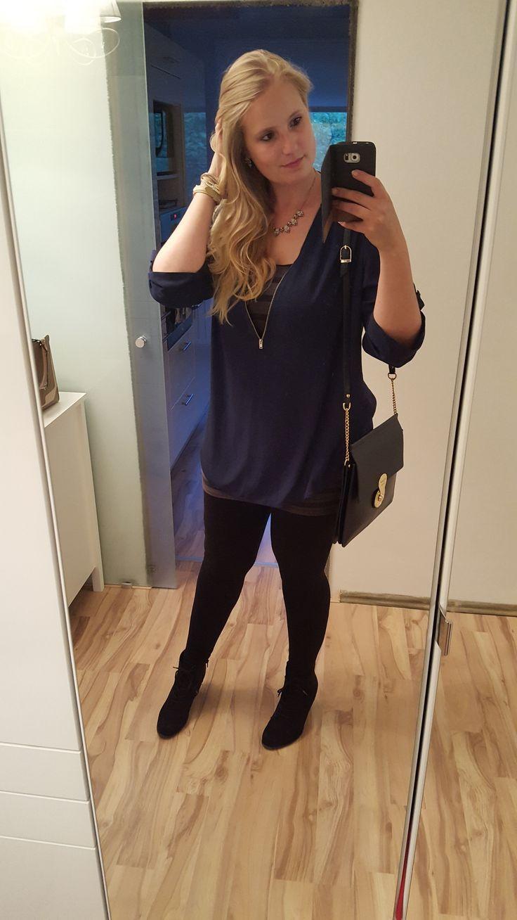 Blaue Long Bluse, schwarze Leggings, Elizabeth George Bag / Tasche / Hair style / Outfit Fashion