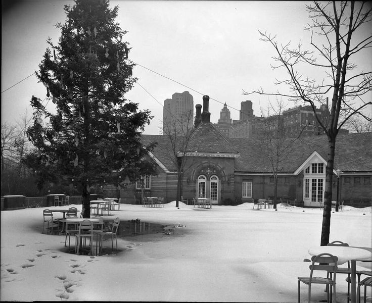 1944  Central Park ,Tavern on the Green Christmas exterior. LOC