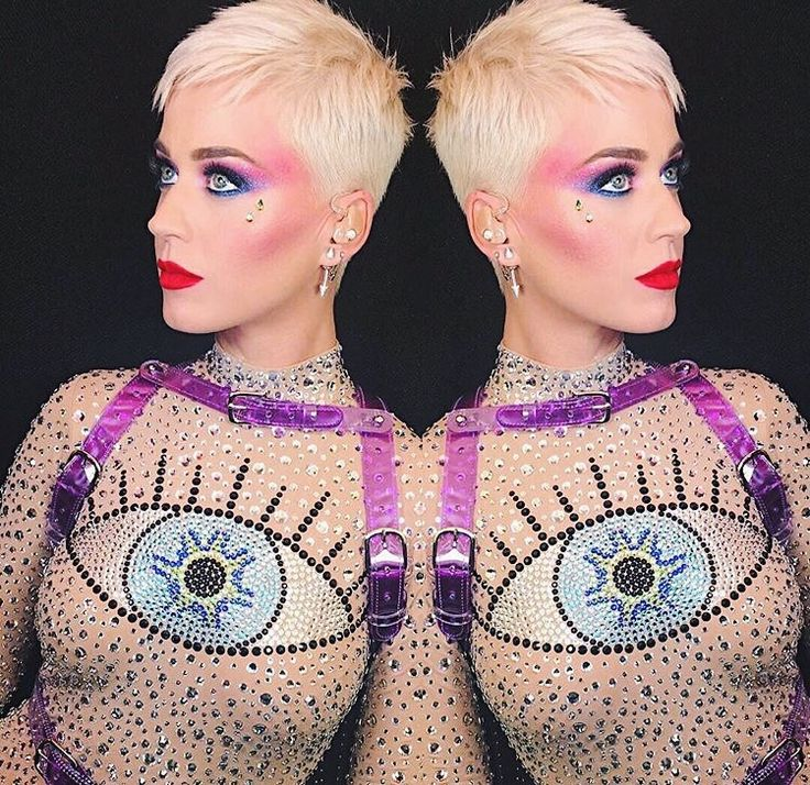 Katy Perry marches to the best of her own drummer