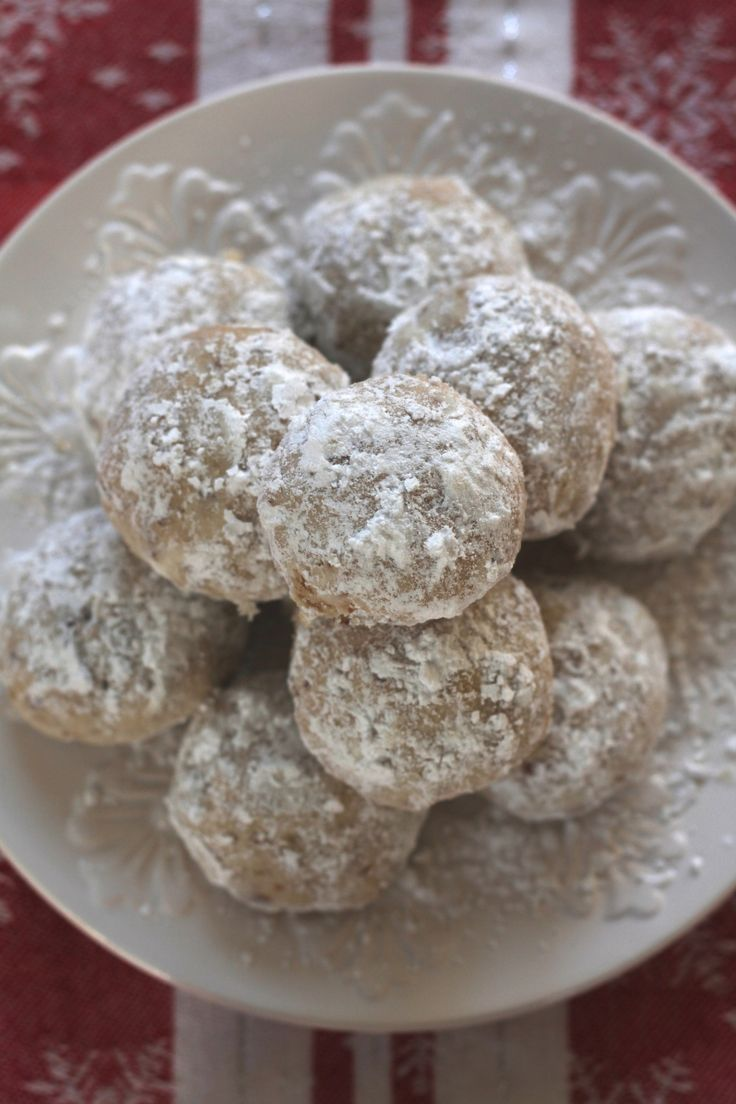 Spoonful of sugah almond polvorones aka russian tea cakes mexican - These Traditional Snowballs Russian Tea Cakes Are The Real Deal Melt In Your