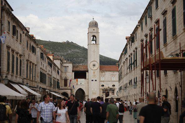 Hrvatski nacionalni turistički informacijski sustav eVisitor osvojio je treće mjesto i  nagradu Svjetske turističke organizacije (UNWTO) za inovativnost u istraživanju i tehnologiji. Riječ je o svečan