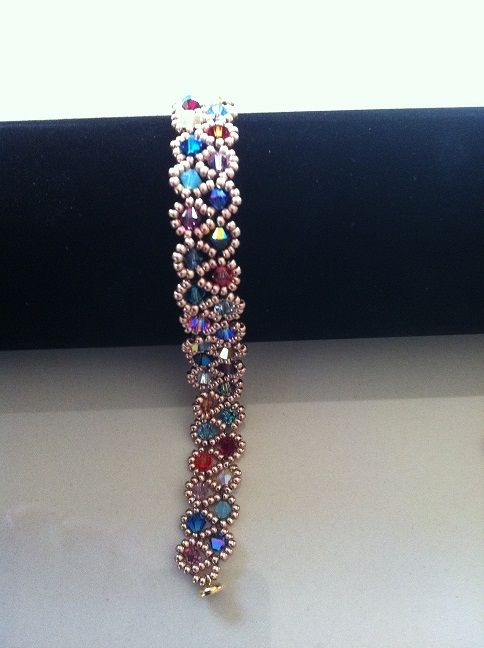 Simple and beautiful bracelet Swarovski beads
