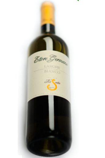 Een vergeten druif. Een oude nieuwe... Daar heeft Ettore Germano een heerlijke wijn van weten te maken met maar een productie van 4000 flessen. Deze Langhe Nascetta heeft een intens bouquet met tonen van abrikozen, perzik, bloemen en kruiden met hints van rozemarijn.  Een mooie zomerse wijn die goed te drinken is bij schaal en schelpdieren.