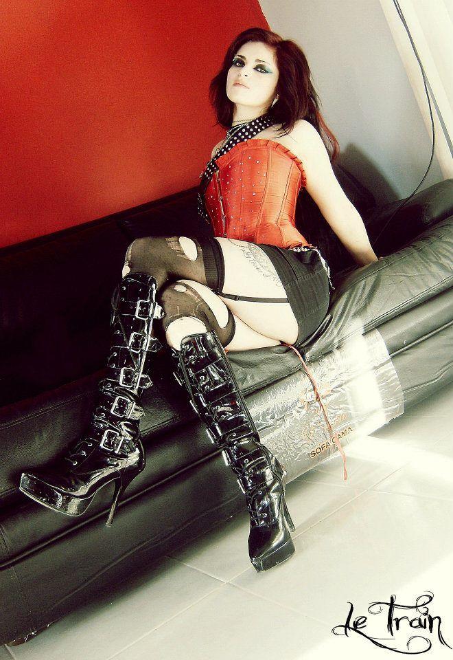 Pandora Le Train Model My Darkest Fashion Pinterest