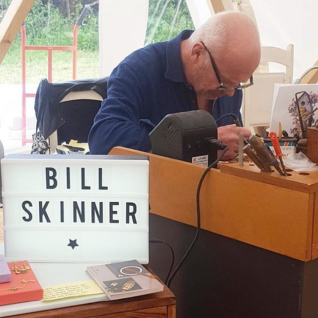 🌿🌸:: Bath Wedding Festival - Meet Bill Skinner :: 🌸🌿 It's second and final day here at the wonderful @fieldgoodbar where we are exhibiting some gorgeous bridal offers. Pop along and meet Bill himself, while he takes to his bench hand carving some of his famed pieces while you watch!   We'll be here until 6pm tonight lovelies - look forward to seeing you there! 🥂✨  .  .  .  #BillSkinner #bath #weddingfestival #bathweddingfestival #weddings #brides #bridetobe #handcrafted #workbench…