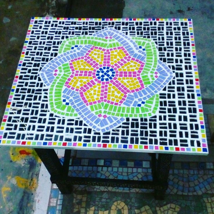 tabble top mosaic mirror mixed with stained glass