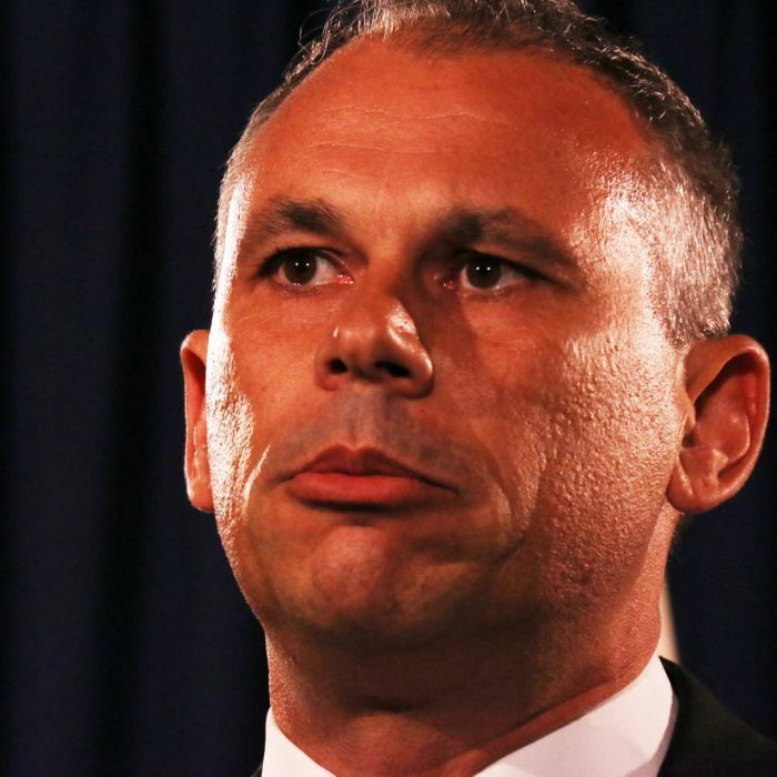 Federal, state and territory leaders have backed the Northern Territory's resolve to become Australia's seventh state by 2018.  A formal statement from yesterday's Leaders Retreat includes confirmation the push for NT statehood had support.  It was raised by NT Chief Minister Adam Giles, who will report on progress at the next COAG meeting.