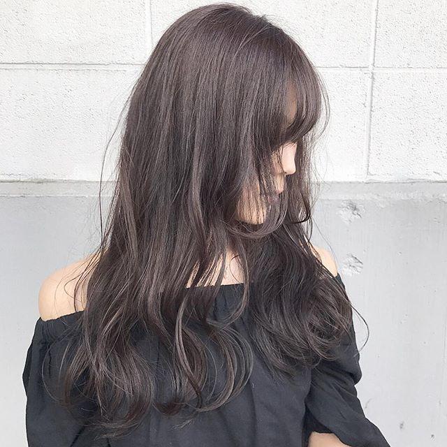 ダークアッシュの髪色がおしゃれ ブリーチなしでもできる市販剤も紹介