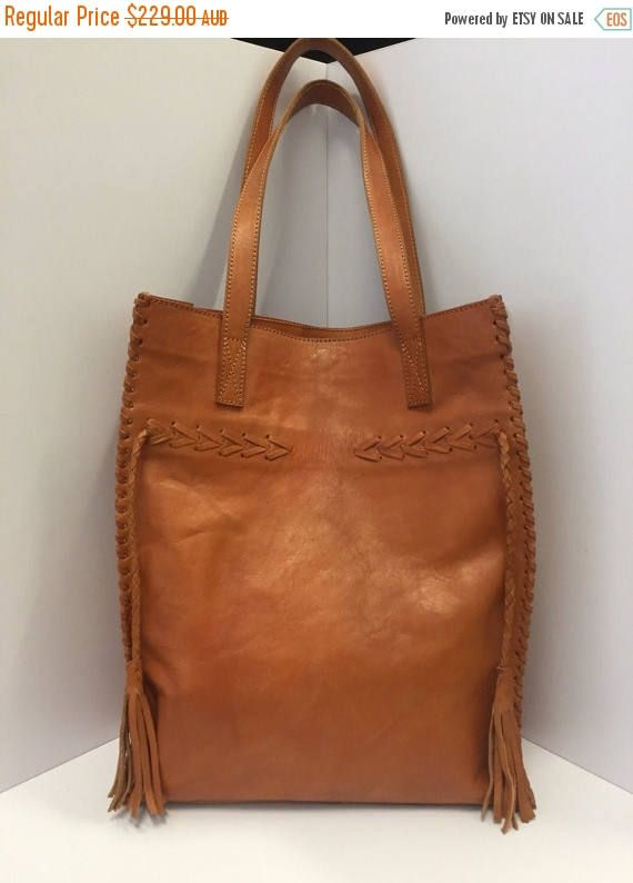 FLASH SALE The ARROW & Feather Leather Bag / Womens Leather