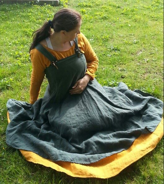Custom Linen Viking Norse Apron Dress Svana by CamelotCreationscom.  Note the unusually wide skirt on the apron dress.