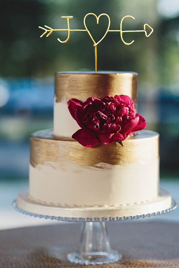 Rustic Wire Cake Topper by Le Rustic Chic - 20 Unique Wedding Cake Toppers - EverAfterGuide