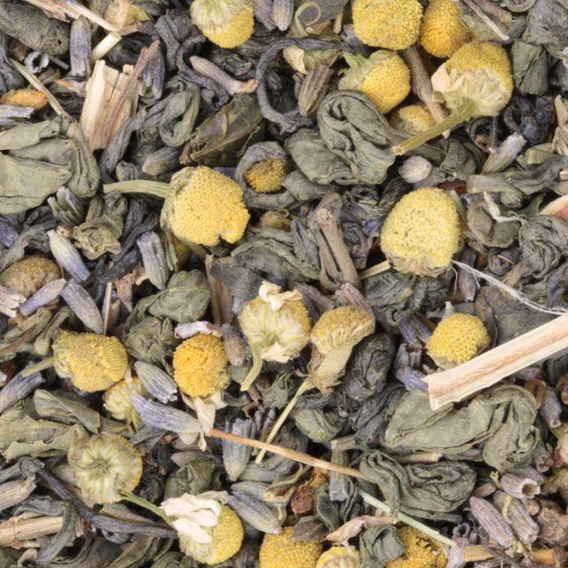 Ingrediënten: groene thee, valeriaan, st. janskruid, lavendel, kamille. Zachte groene kruidenthee thee met diverse onthaastende, rustgevende kruiden. Ingrédients: thé vert, valeriane, lavende, camomille,