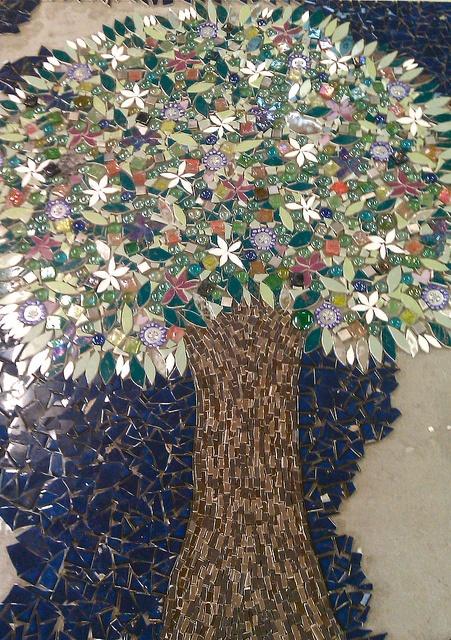 Friendship Tree by Tanja Hawker Mosaics, via Flickr  #mosaic