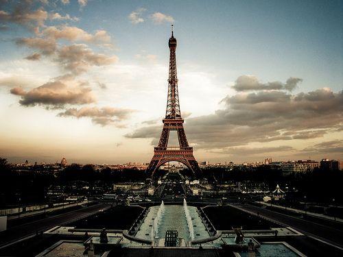 La Tour Eiffel: c'est belle.. :')