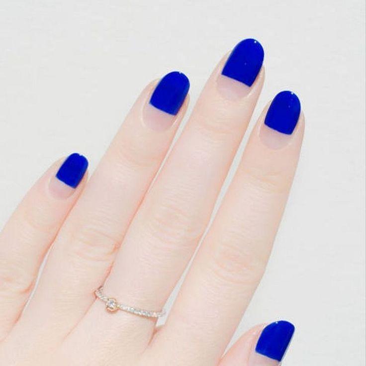 Best 25 minimalist nails ideas on pinterest geometric nail art elegant and super minimalist nail art 2018 prinsesfo Gallery