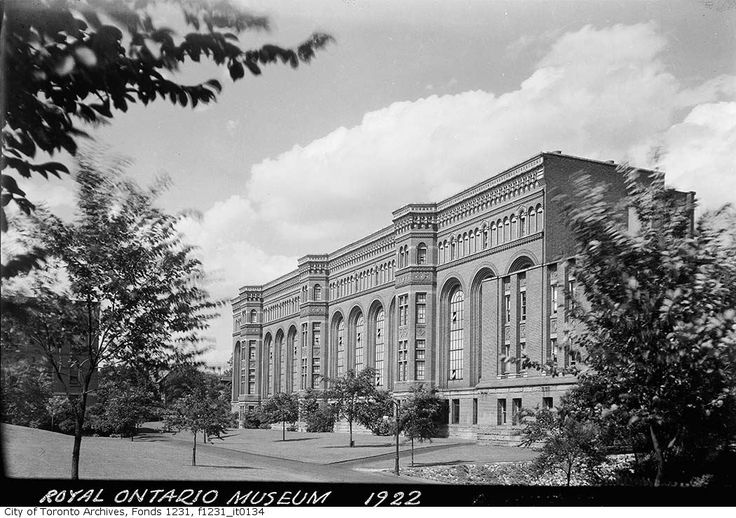 Throwback Thursday Toronto friends! Here's the Royal Ontario Museum circa 1922. Pic courtesy of the Toronto Archives.