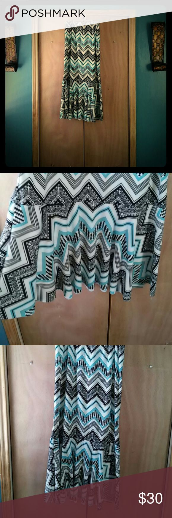 Homemade Flounce Skirt A one ruffle Black, White, Teal Chevron Skirt! Nothing wrong with it! No rips or stains! Pet free, smoke free home. Homemade Skirts A-Line or Full