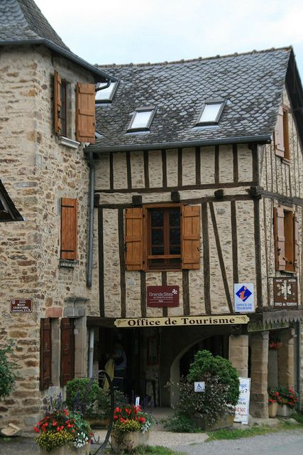 Najac, France - I totally asked for advice at this very tourist office.