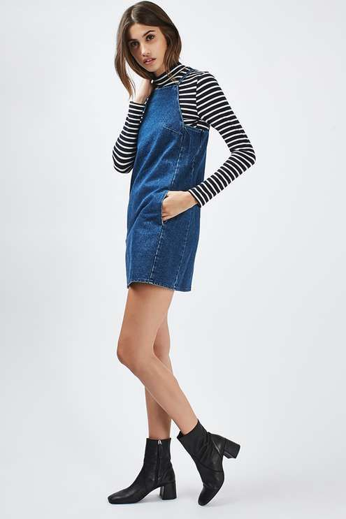Keep it laid-back and feminine in the MOTO denim square neck mini dress.