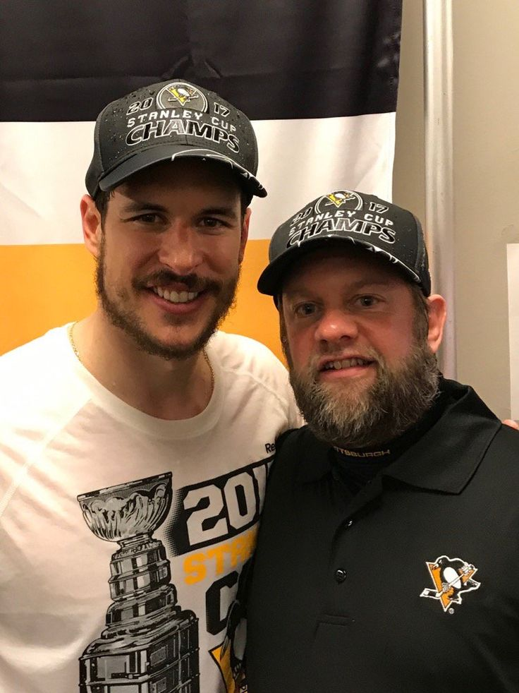 Sidney Crosby with Penguins equipment manager Dana Heinze
