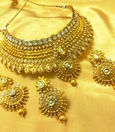 Ethnic White Pearl Bridal Choker Necklace Set With Maang Tikka Shop Online