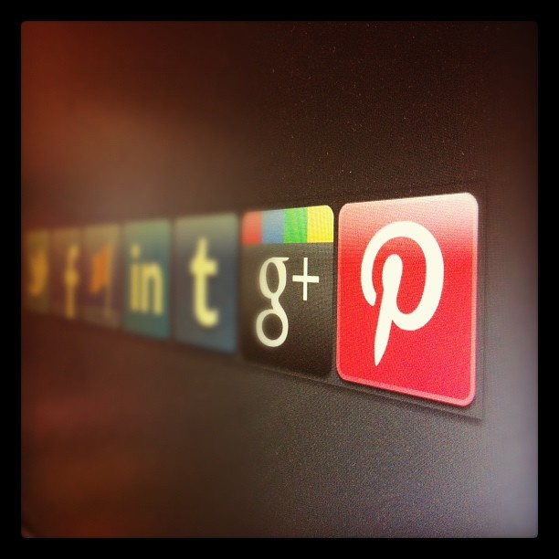 Developing new social icons for upcoming PhotoMerchant release. Let me know if you like a copy.
