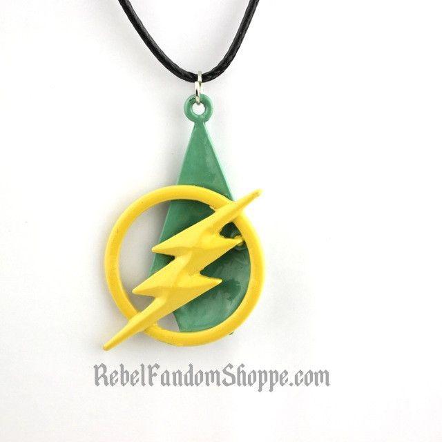 Flash Arrow Necklace