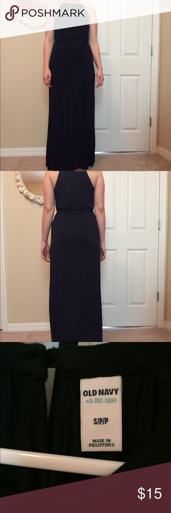 Old Navy Maxi Dress Old Navy Maxi dress. Navy blue and never worn. Perfect for the beach . Has a removable tie belt. I must have removed the fabric description tag, but this is stretchy jersey material. Non-smoking and pet free home. Old Navy Dresses Maxi