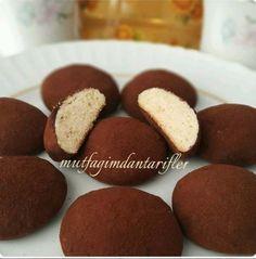Sizde çeşit çeşit kurabiye yapmayı seviyorsanız işte farklı bir lezzet Arap Kurabiyesi
