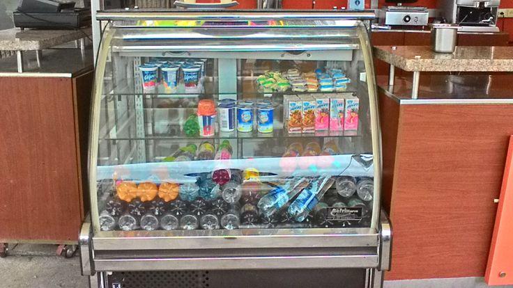 Te ofrecemos : Productos lácteos y bebidas con variedad de marcas.